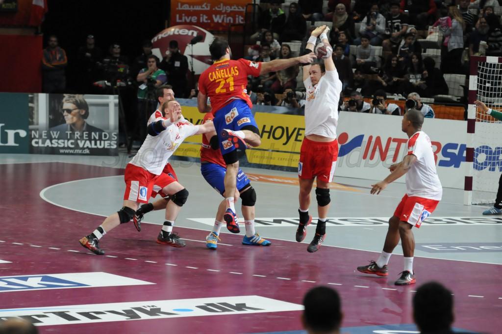 このシュートが決まり、スペインの決勝点に