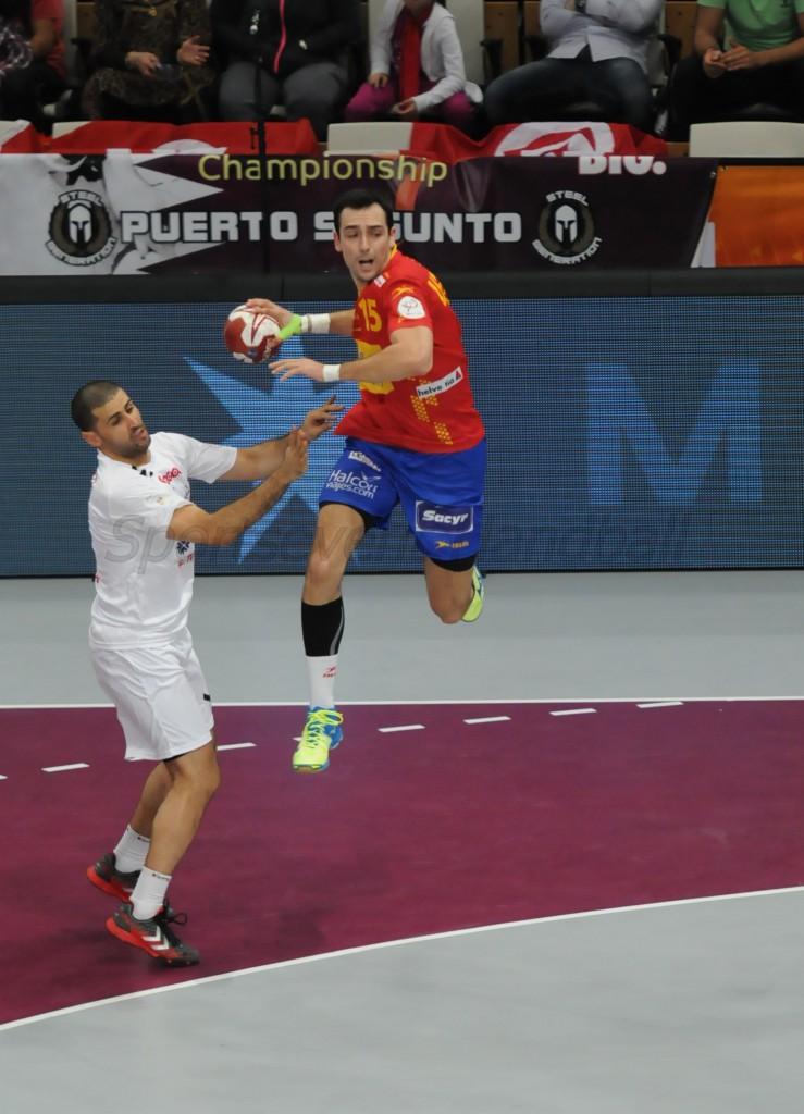 スペインは各選手が試合開始からしっかりと役割を果たした(写真は左サイド・ウガルデ)