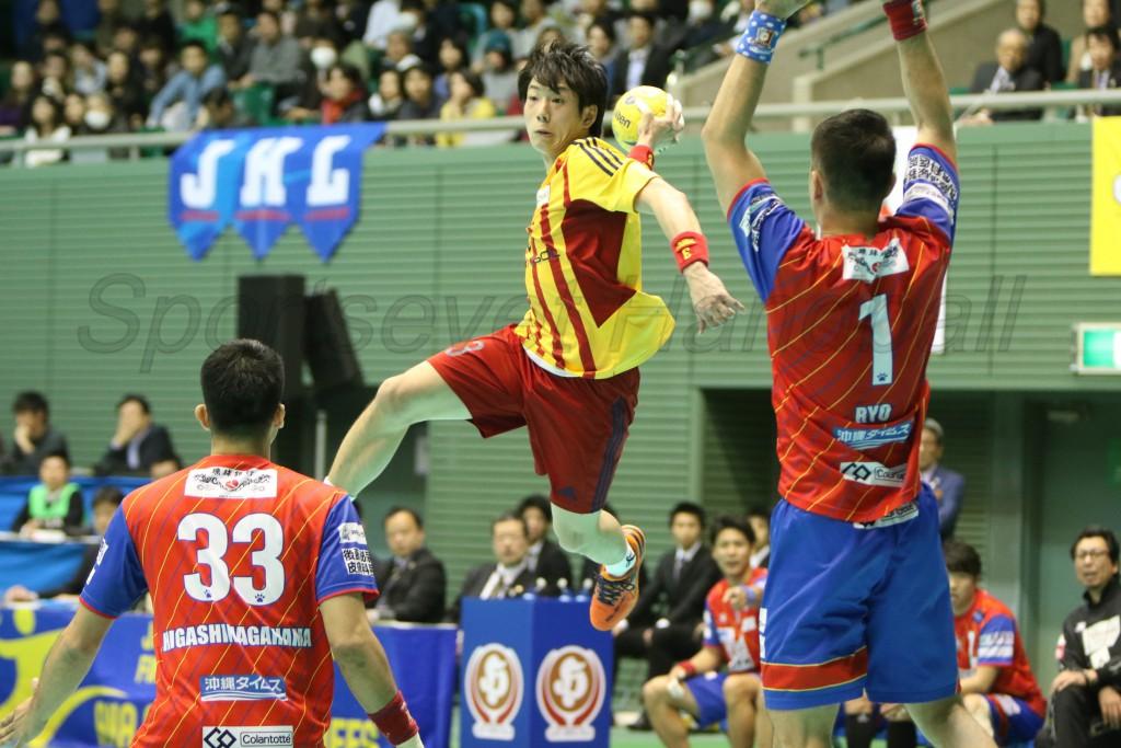大崎の小澤は積極的にゴールを狙いチーム最多の7得点。サイドからのキリも効いていた
