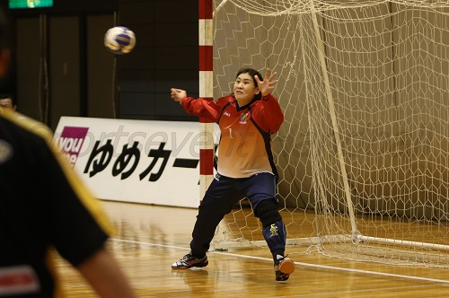 北國のゴールを守るのは寺田。今シーズンはキャプテンとしてチームをまとめる