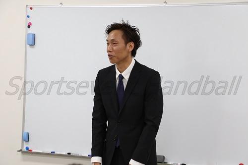 つくばHC代表の植村さん。久留米工大附高(福岡)、筑波大でプレーし、現在は小学生チーム『筑波学園ハンドボールクラブ』の監督も務めている