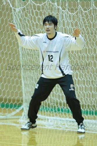 今シーズンの合成ゴールを守る藤田。DFとの連携をさらに高め失点を防ぎたい
