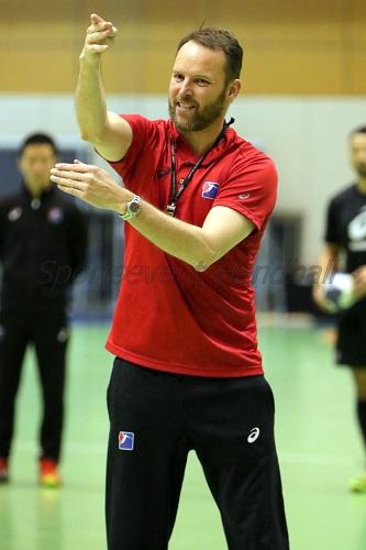 初の公式戦となるアジア選手権に向けて着々と準備を進めるシグルドソン監督